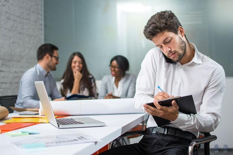 Comptable réceptionniste commis de bureau comment travailler